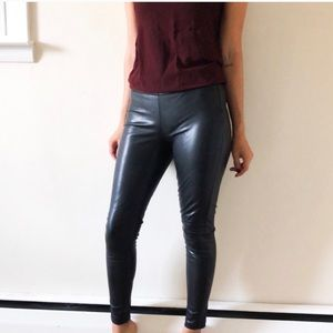 Ann Taylor faux leather skinny legging pants 650